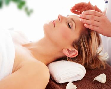 Relaxe com a Terapia Reiki na Wonderfeel
