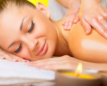 Massagem Tailandesa 50min | ESSENTIALS® Day Spa Bairro Azul
