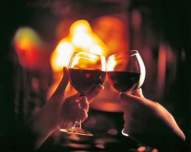 Costa Azul | Noite em Apartamento + Prova de Vinhos
