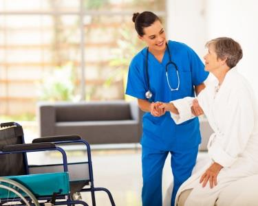 Pense no seu futuro! Curso de Técnico Auxiliar de Saúde c/ Certificado | Portoforma