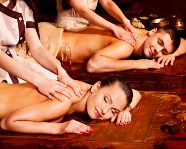 Massagem Casal | Momento Único c/ Óleo Essencial Aquecido | 50 min