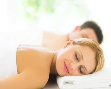 Love Hot Stones Massage 1 hora | S. Valentim