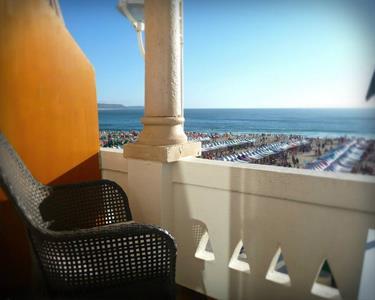 Conheça a Nazaré   1, 2, 3 ou 5 Noites a Dois à Beira-Mar