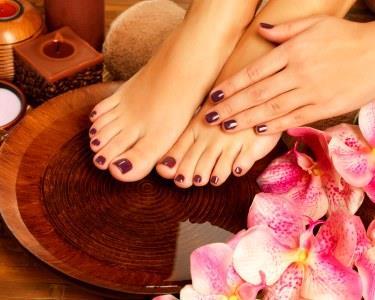 Tenha mãos e pés de princesa | Manicure + Pedicure + Aplicação de Gelinho