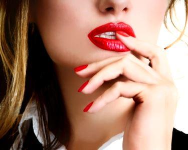 Gel Nails   Unhas de Gel   Uma Oferta de Agarrar com as Duas Mãos
