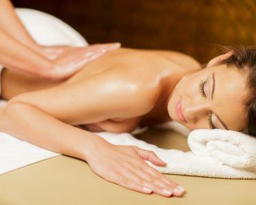 Relaxe e Desfrute de uma Massagem à Escolha | AZClinic