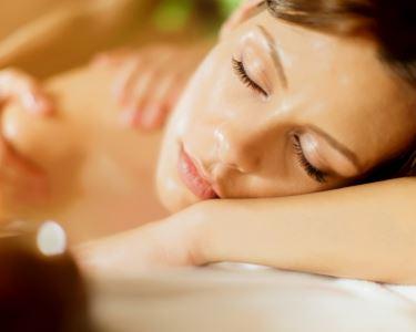 Tratamento Corporal | Esfoliação + Envolvimento com Argila + Massagem Relax | Pontinha