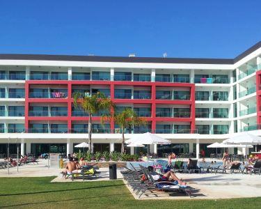 Aquashow Park Hotel 4* | 1 Noite ou 2 Noites com Passeio de Barco