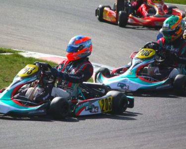 Acelere a Fundo num Kart de Competição | Kartódromo de Braga