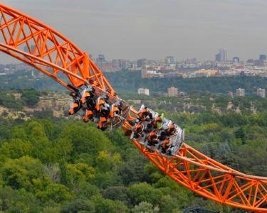 Parque de Atracciones de Madrid   1 ou 2 Noites & Entradas