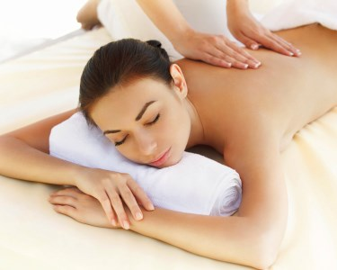 Massagem Relaxante com Óleos no Templo de Gaya