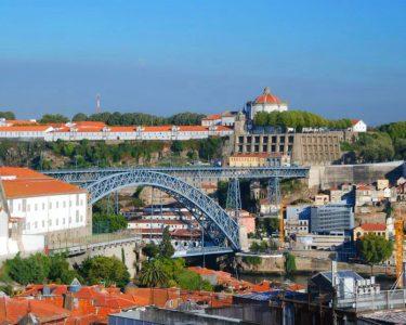 Noite no Centro do Porto | Yours Guest House