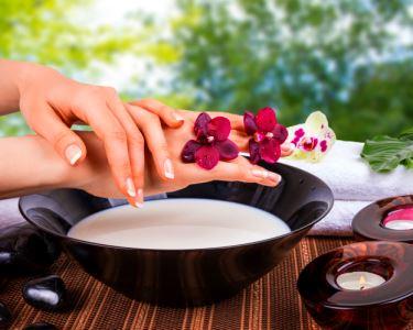 Mãos de Princesa | Manicure c/ Unhas de Gel & Massagem | Gaia