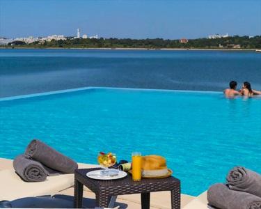 Água Hotels Riverside 4* - 1, 3 ou 5 Noites em Meia-Pensão