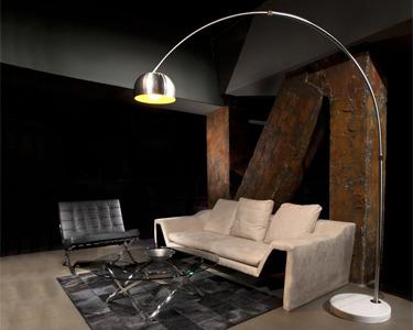 Candeeiro de Sala com Design Moderno