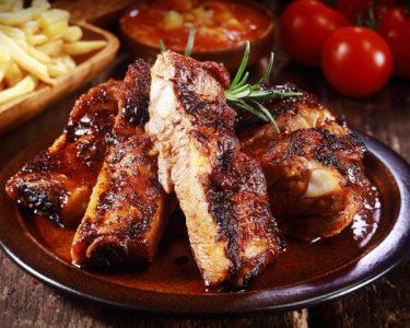Sabores de Barbecue c/ Sangria de Morangos & Sobremesa para Dois