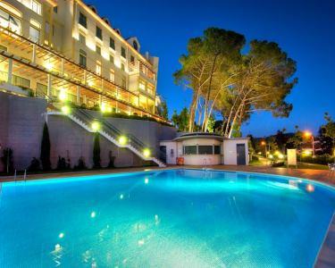 Tulip Inn Estarreja Hotel | Noite de Charme em Aveiro + SPA + Jantar