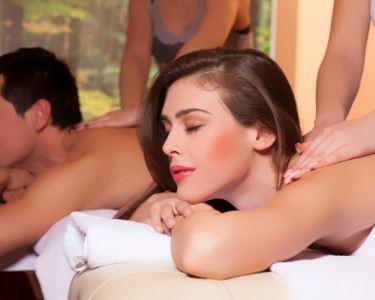 Massagem com Paixão   Champanhe  & Bombons no Final