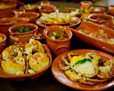 Jantar Romântico com Degustação de Petiscos & Prato | Aconchego Tapas