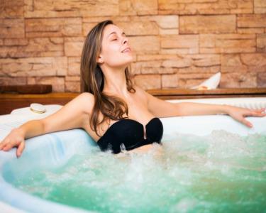 Circuito Hot Stone | Jacuzzi, Sauna e Banho Turco + Massagem | Momentus Business Spa