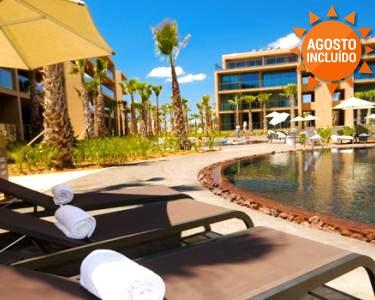 Verão no Algarve: 2, 3 ou 5 Noites com Tudo Incluído no Palm Village Suite 4*