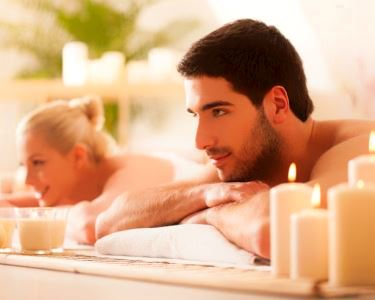 Massagem para Casal com Óleos Essenciais | Momentos a Dois