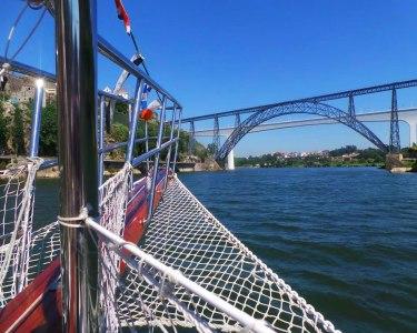 Passeio pelo Douro em Embarcação Típica + Vinho do Porto & Pastel de Nata | Douro Goleta