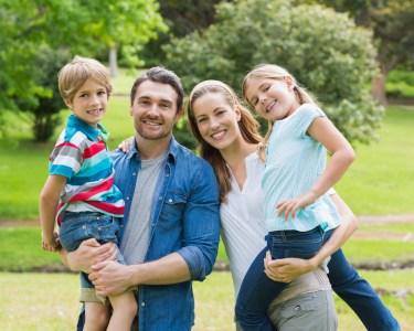 Sessão Fotográfica para a Família em Estúdio | Até 200 Fotografias