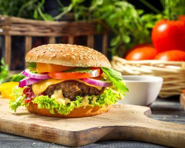 Hambúrguer de Picanha a 2 +Acompanhamento +Bebidas + Sobremesa +Café