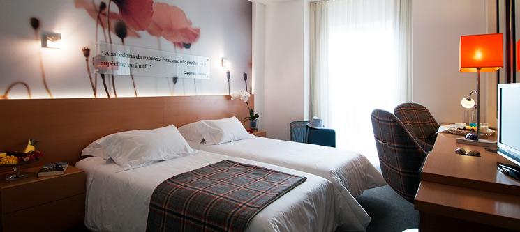 Hotel Estrela de Fátima 4* | Noite + Jantar Romântico
