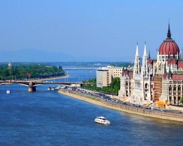 Passeio por Budapeste   2 Noites em Hotel 4* + Citytour + Cruzeiro