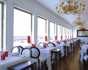Jantar Romântico no Casa Branca com Vista Oceano | Apaixonante!