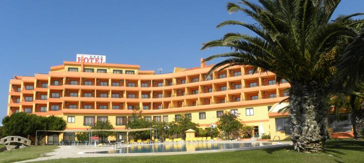 Atlântico Golfe Hotel 4* | Noite Inesquecível c/ SPA a Dois em Peniche