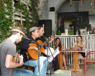 Castro Beer   Menu + Música ao Vivo p/ 2 ou 4 Pessoas   Cais do Sodré