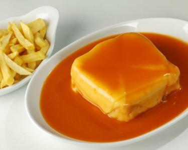 Restaurante Barrigas   Francesinha + Batata Fritas + Bebida   Porto