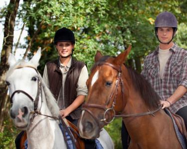 Passeio Romântico a Cavalo para Dois & Almoço | The Camp®