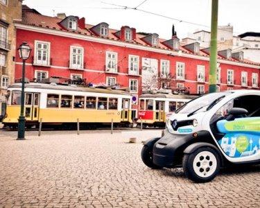 Tour Apaixonante por Lisboa em Twizy com Áudio Guia