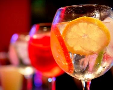 2 Gin Tónicos à Escolha na Noite de Réveillon | Bar Zero Graus