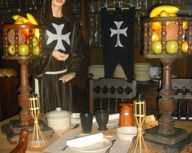 Jantar Medieval com Francesinhas em Forno a Lenha | Monge da Cruzada