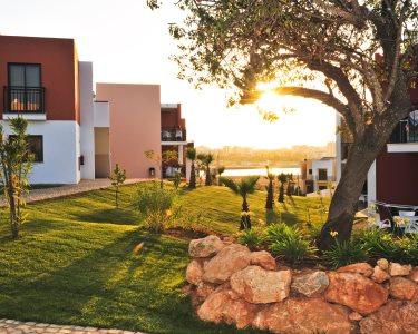 Férias de Sonho no Vitor´s Village! 2 a 7 Noites em T1 - Algarve