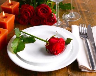Programa para o Dia dos Namorados? Jantar Romântico + Festa com DJs