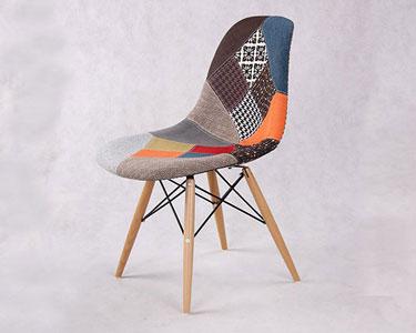 Cadeira Tower em Tecido e Madeira | Dê cor ao seu Lar!