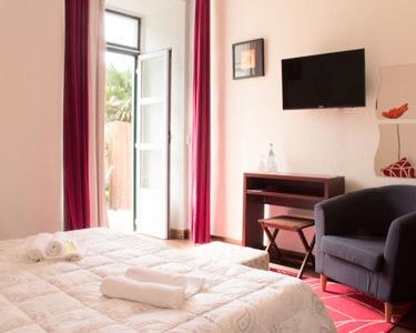 Verão & Surf em Sintra | 1 Nt Inesquecível a Dois no Sarrazola House