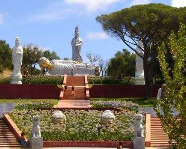 Noite Vista Mar em Peniche + 2 Entradas no Buddha Eden Jardim da Paz