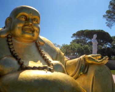Noite de Romance Vista Mar + 2 Entradas no Buddha Eden Jardim da Paz