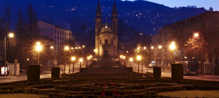 Guimarães   1 Noite Romântica c/ Opção de Massagem na Trovador Guest House