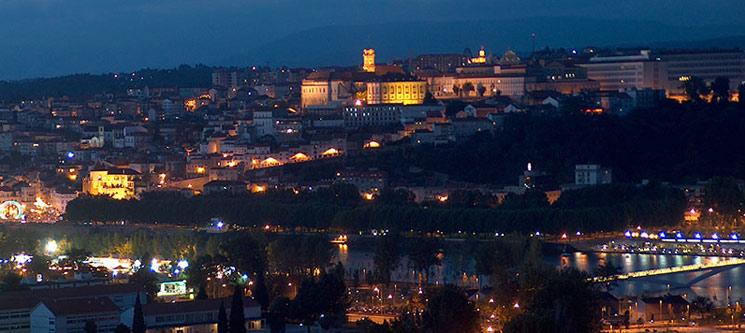 Romance e Tradição | Noite & Fado em Coimbra