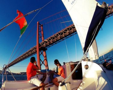 Passeio de Barco à Vela no Tejo a Dois + Oferta de Workshop | 2 Horas