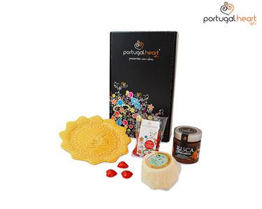 Cabaz Doce&Salgado Portugal Heart® + Oferta Prato Bordallo Pinheiro
