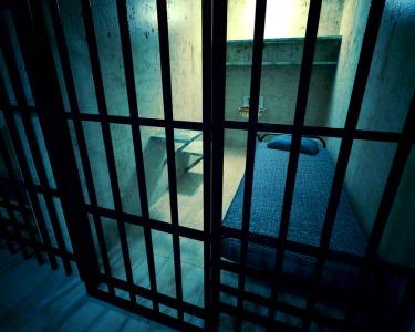 Noite de Romance c/ Tudo Incluído - Escolha a Sua Prisão
